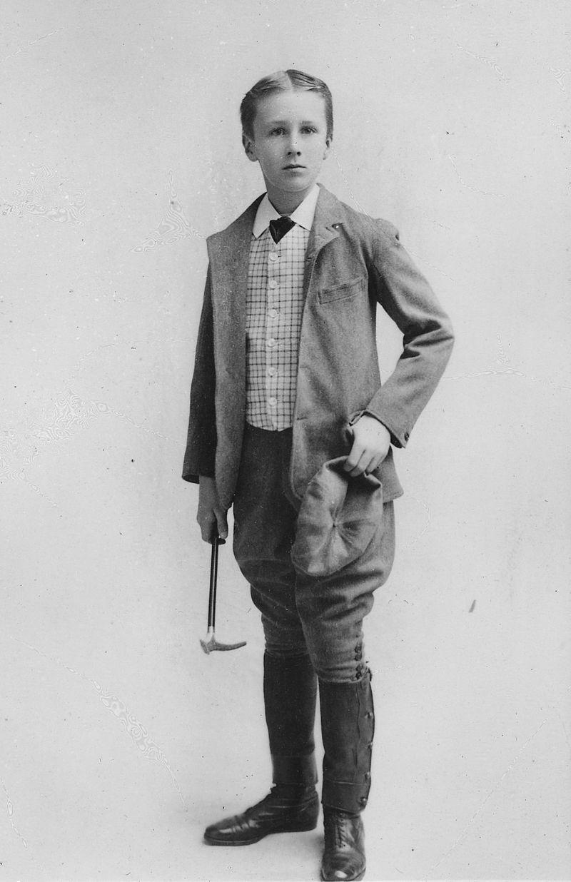 Franklin_D._Roosevelt_portrait_-_NARA_-_196689 (1)